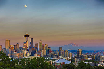 Ferris Wheel Photograph - Seattle Skyline At Sunset Hdr by Scott Campbell