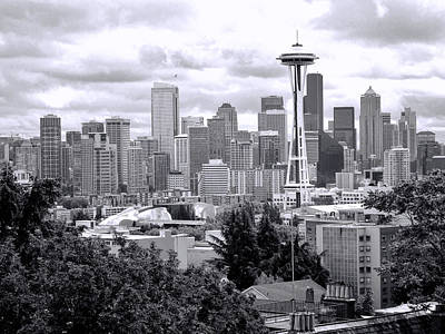 Photograph - Seattle Skyline From Kerry Park by Allen Beatty