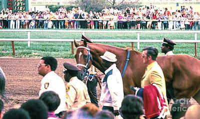 Secretariat Race Horse Looking At Me Before He Won A Big Race At Arlington Race Track In 1973.  Art Print
