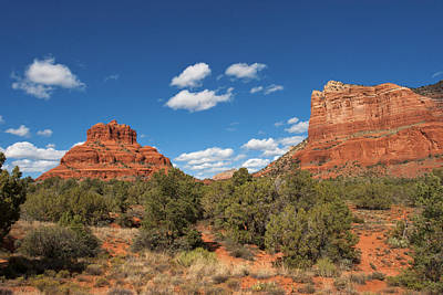 Photograph - Sedona Bell Rock And Courthouse Butte by Lou Ford