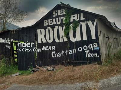See Rock City Barn Art Print