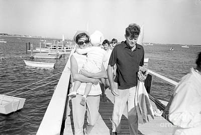 Senator John F. Kennedy And Jacqueline Kennedy At Hyannis Port Marina Art Print