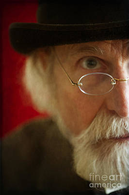 Gold Fill Wire Photograph - Senior Man With White Beard And Glasses by Lee Avison