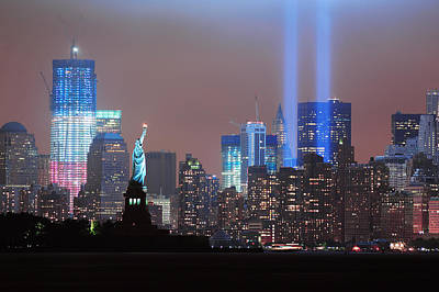 Photograph - September 11 Tribute by Songquan Deng
