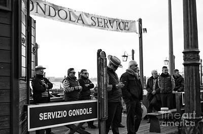 Photograph - Servizio Gondole by John Rizzuto