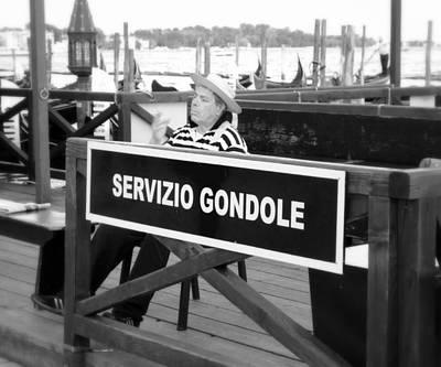 Photograph - Servizio Gondole by Valentino Visentini