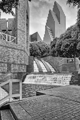 Sesquicentennial Fountains At Wortham Center In Black And White - Downtown Houston Texas Art Print
