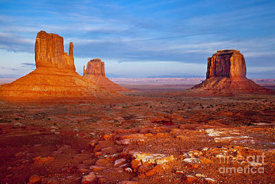 Photograph - Setting Sunlight Over The Mittens In Monument Valley by Brian Jannsen