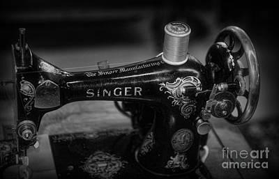 Sewing Machine - Singer Sewing Machine In Black And White Art Print