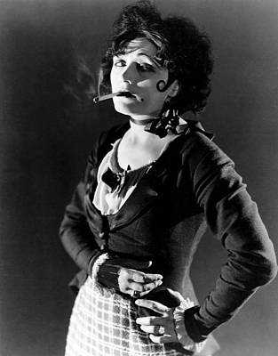 Pola Negri Photograph - Shadows Of Paris, Pola Negri, 1924 by Everett