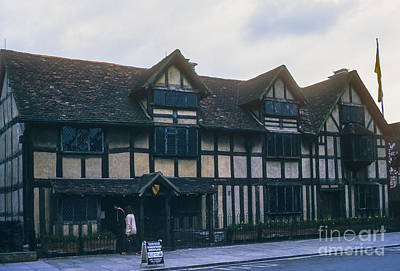 Stratford City Photograph - Shakespeare's Birthplace  by Bob Phillips