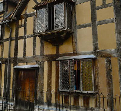 Photograph - Shakespeare's Birthplace by Denise Mazzocco