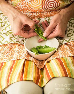 Shelling Peas Art Print by Edward Fielding