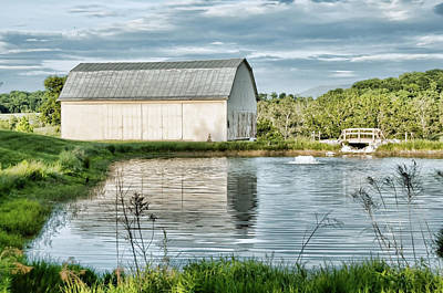 Photograph - Shenandoah Barn Reflection by Lara Ellis