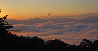 Photograph - Shenandoah Valley Sea Of Clouds by Lara Ellis