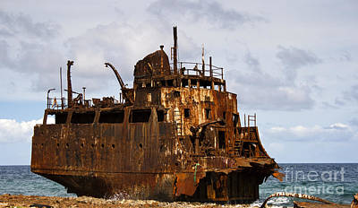 Photograph - Ship Ashore by David Millenheft