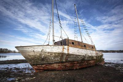 Shipwreck Print by Eric Gendron