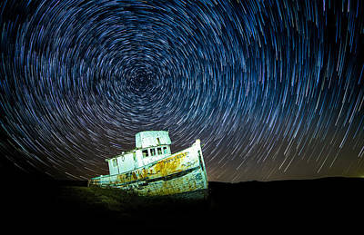 Startrails Photograph - Shipwreck by Peter Irwindale