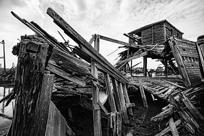 Photograph - Shiver My Timbers - Ship Graveyard - Black And White by Gary Heller