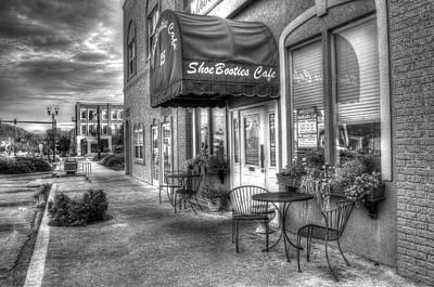 Photograph - Shoebooties Cafe by Greg Mimbs
