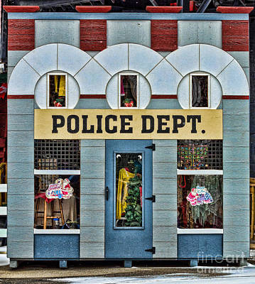 Photograph - Shop With A Police Sign by Les Palenik