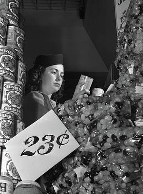 Photograph - Shopping, 1942 by Granger