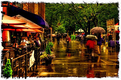 Photograph - Shopping In The Rain - Market Square Knoxville Tennessee by David Patterson