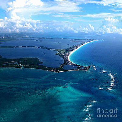 Shoreline-cancun Art Print by Addie Hocynec