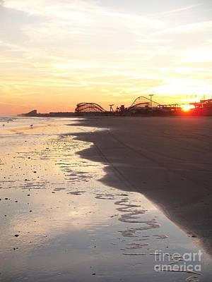 Shoreline Sunset Art Print