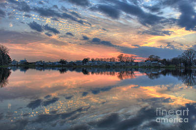 Southern Comfort Photograph - Showcase Sunset by Leslie Kirk