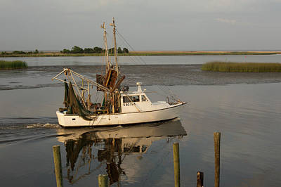 Shrimp Boat On Apalachicola Bay Art Print