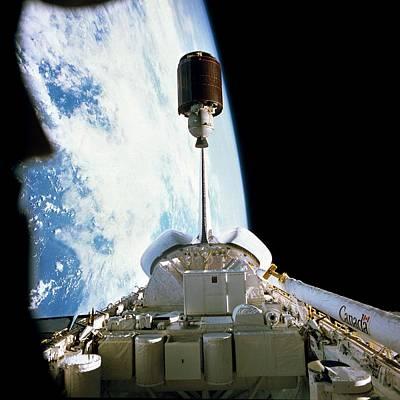 Palapas Wall Art - Photograph - Shuttle Launch Of Palapa Communications Satellite by Nasa/science Photo Library