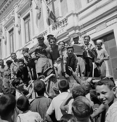Smile Of Happiness Photograph - Sicilian Prisoners Of War En Route by Stocktrek Images