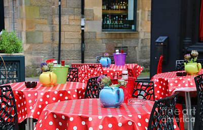 Tableclothes Photograph - Sidewalk Cafe In Edinburgh 6620 by Jack Schultz