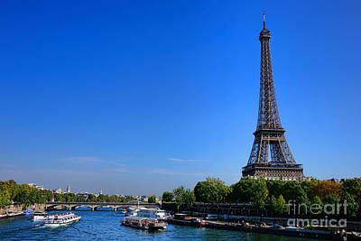 Photograph - Sightseeing On The Seine by Olivier Le Queinec