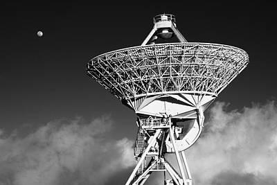 Vlba Photograph - Signals by Scott Rackers
