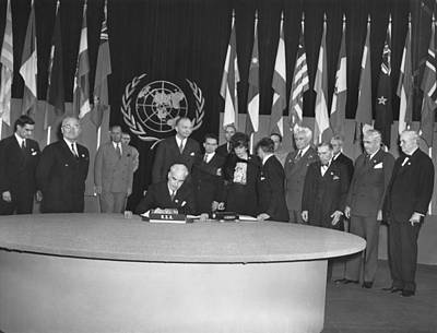 Charters Photograph - Signing Of Un Charter by Underwood Archives