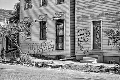 Street Photograph - Silent Screams Bw by Steve Harrington