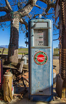 Photograph - Sinclair Aircraft Gas Pump by Roger Mullenhour