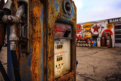 Indiana Landscapes Photograph - Sinclair Gas Pump by Keith Allen