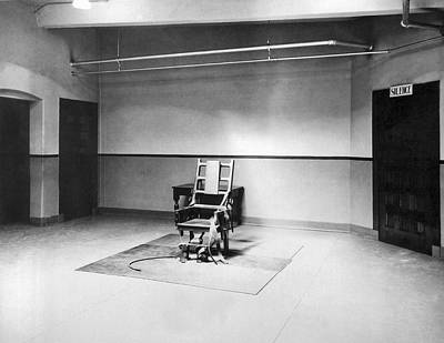 Punishment Photograph - Sing Sing Electric Chair by Underwood Archives