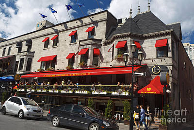 Que Photograph - Sir Winston Churchill Pub Montreal by Jason O Watson