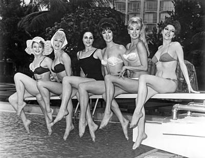 One Piece Swimsuit Photograph - Six Showgirls At The Pool by Underwood Archives