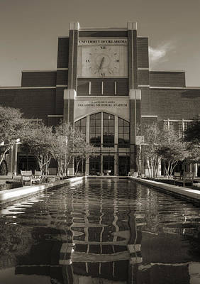 Oklahoma University Wall Art - Photograph - Six Thirty Three by Ricky Barnard