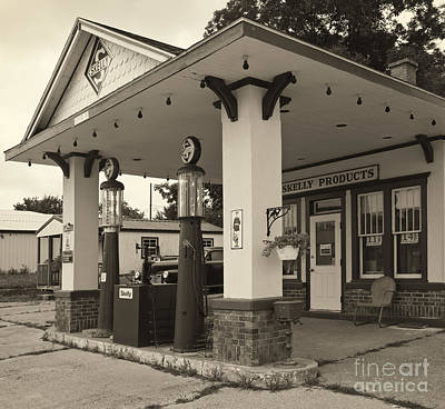 Skelly Photograph - Skelly Station 2 by Dennis Hedberg