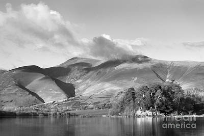 Canoeing Digital Art - Skiddaw And Friars Crag Mountainscape by Linsey Williams
