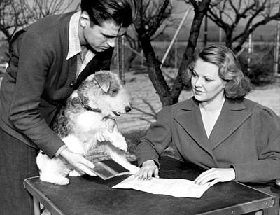 B-movie Photograph - Skippy Signs Contract by Underwood Archives