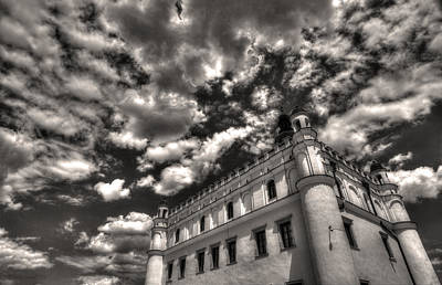 Sky Breaker In Black And White Art Print