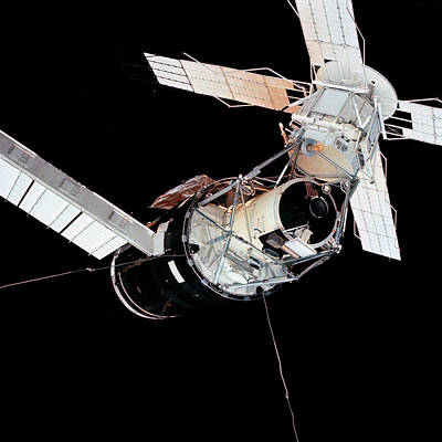 Astronautical Engineering Photograph - Skylab Space Station by Nasa