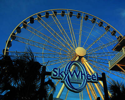Photograph - Skywheel by Bill Swartwout